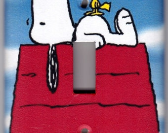 Snoopy and Woodstock on Doghouse / Peanuts Switchplate Cover - Single Regular size (890)