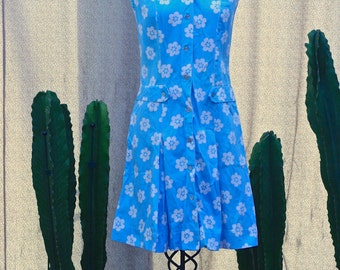 Vintage // 1960s // He Loves Me...He Loves Me Not // Mod // Daisy Scooter Dress //