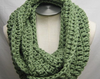FREE SHIPPING -- Chunky Crochet Infinity Scarf - FOREST
