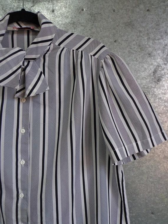 1980s black and white striped secretary blouse plus size 46 inch