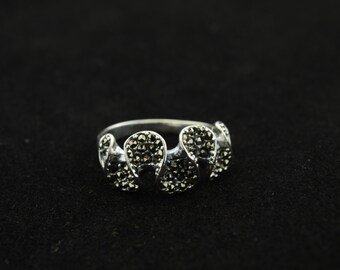 silver wave patterns ring-size 8.25