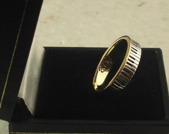 Piano Ring 18ct gold