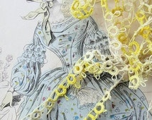 Vintage Hand Tatted Lace Tatting Trim Pretty Light Ombre Yellow 1 yard Length Great For Baby Bonnets Dolls Pillows Clothing