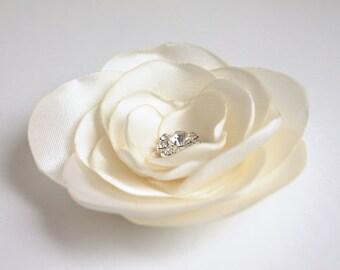 ivory flower hair pin, bridal accessory, brides flowers, rhinestone bead