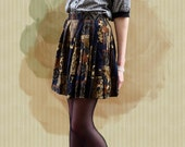 Nice skater pleated green skirt with flower pattern - size M