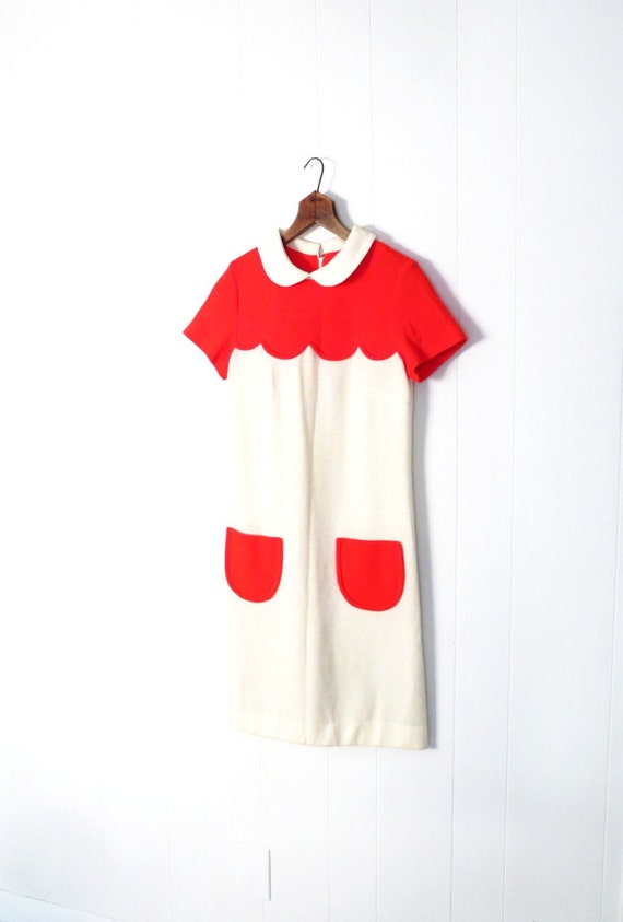 Vintage Courreges Dress / 1960s Mod Dress / 60s Knit Dress / Poppy Red and White / Peter Pan Collar / Scallop Dress / XS