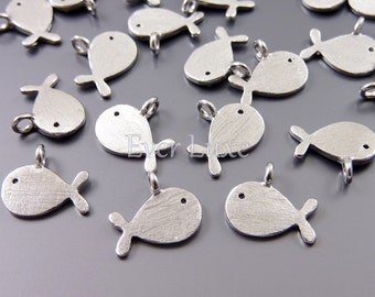 4 cute gold fish charms, satin silver metal charms, necklace pendants, bracelet charms / craft supplies 1871-SR (satin silver, 4 pieces)