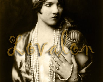 Pearls... Instant Digital Download... 1920's Vintage Glamour Fashion Photo Image by Lovalon