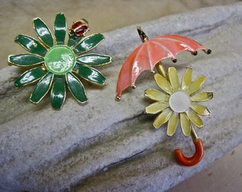 Daisy Brooch JJ Umbrella Yellow Daisy Green Enamel Ladybug Collectible Pair ADORABLE Shabby Chic Set of 2 Instant Collection Mothers Day