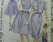 Mad Men 1960s Blouse and skirt set Simplicity pattern 3068
