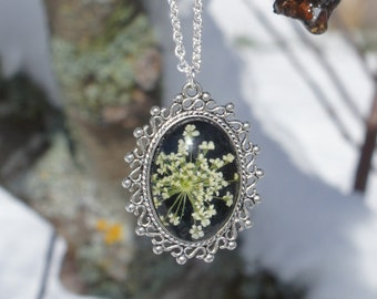 delicate jewelry nature inspired necklace, unique jewelry nature necklace with real pressed flower, bridesmaids necklace, nature lover gift