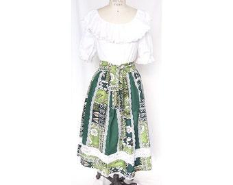 Paneled Hula Skirt with Hawaiian Motif and Lace Accents - Green