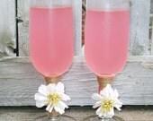 Wedding Champagne Glass / Rustic Champagne Flute / Rustic Wedding Decor / Country Wedding Toasting Glasses / Barn Wedding Glasses / Daisy