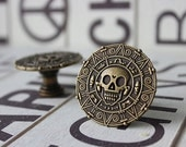 Pirate Drawer Knobs - Cabinet Knobs - Furniture Knobs with Skull in Brass (MK129)