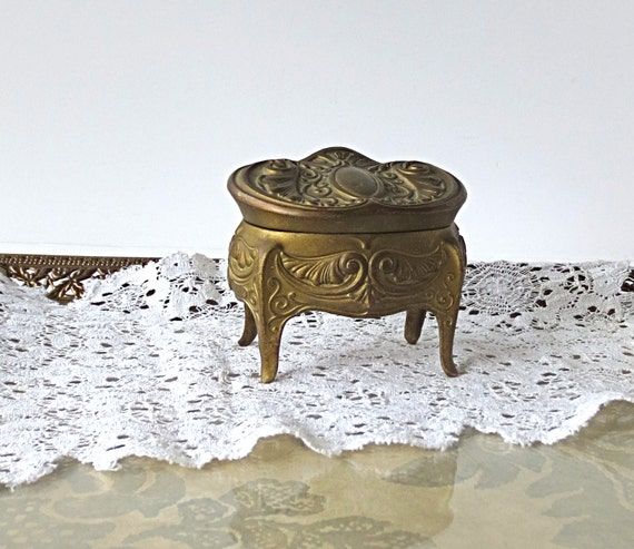 items similar to jennings brothers jewelry casket jb 1208