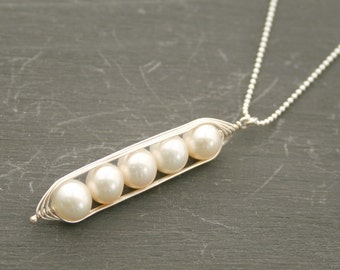 Peapod necklace. Five snow peas in a pod with white freshwater pearls. Peapod jewelry, gift for mom, sister, or best friend