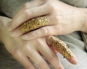 Versailles Armor Ring Gothic Flourish Filigree Knuckle Ring ONE Ring Gold Tone