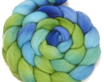 Handpainted Polwarth Wool Roving - 4 oz. SEAGLASS - Spinning Fiber