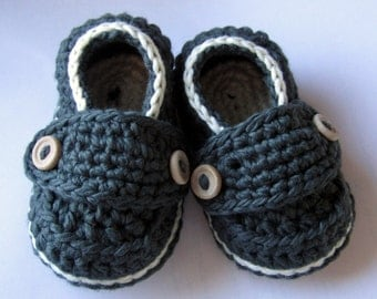 Crochet Baby Booties, Organic Cotton Little Button Loafers // You Choose size and colors// Pregnancy Announcement, Baby shower gift