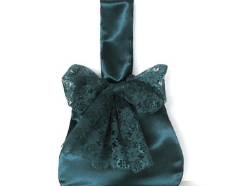 Bridesmaid gift  , Emerald green evening bag , Satin wrist bag with lace bow , Small bow purse , Wrist bag , Fabric purse