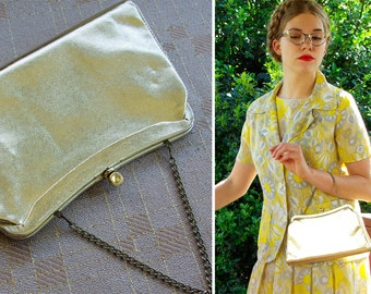 GOLD 1960's Vintage Sparkly Metallic Gold Frame Purse with Chain