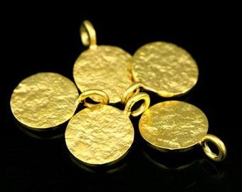KG-550 thai karen hill tribe silver 6 gold vermeil small rough stone texture charm 10.0 mm.
