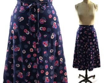 70s Cotton Skirt / Vintage Bohemian Hippie Skirt in Navy Blue Novelty Print / Small
