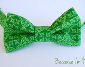 Lovely Mens Green Gaelic Print Bow Tie - Fun, Sophisticated bowtie is pretied and adjustable - becauseimme