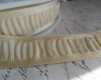 7/8 Buttercream Shirred Ribbon