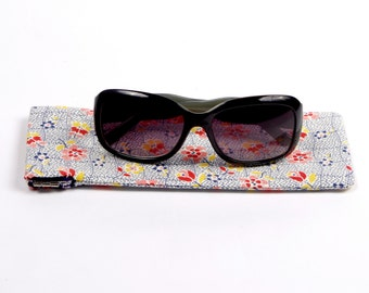Retro Floral sunglass / glasses case