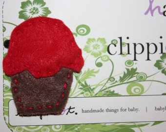 red velvet cupcake felt hair clippie