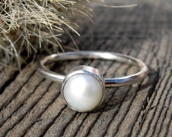 Fresh water pearl sterling silver ring