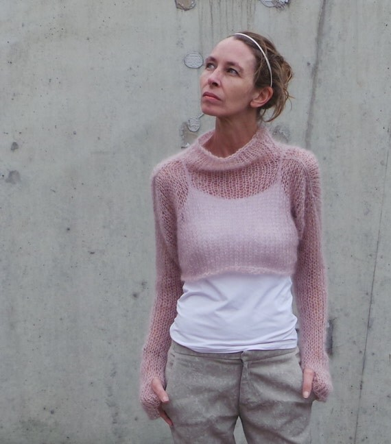 womens pink sweater / cropped sweater / Soft pink kid mohair