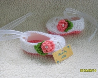 Hand crocheted ballerina slippers for baby girls adorable design different colors and sizes