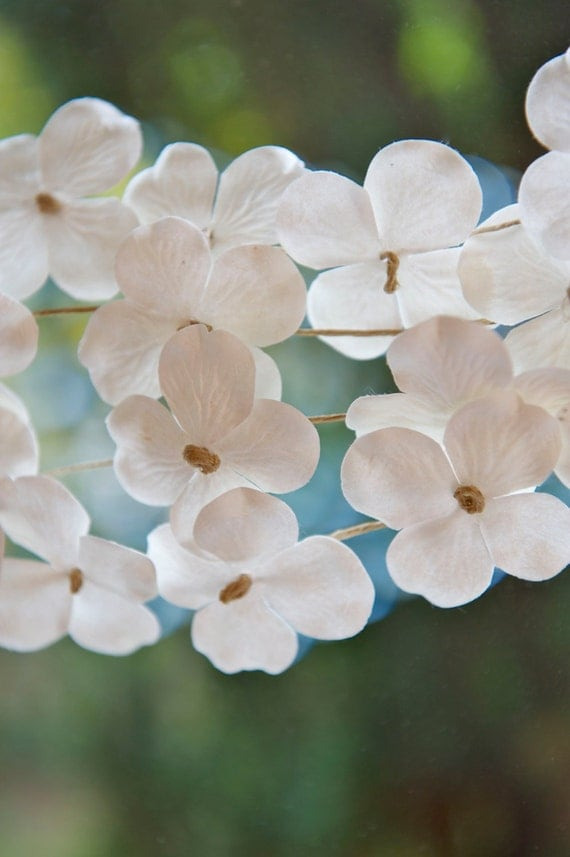 Spring wedding decor, summer wedding decor, White wedding, Paper Garland, HYDRANGEA, Flower garland, rustic wedding, romantic wedding