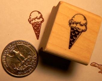 P24 Ice cream cone rubber stamp miniature