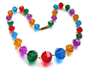 Colored Lucite Beads Necklace, Multicolor Faceted Beads, Vintage Circa 1960, Single Strand Necklace, Bright Colors, Costume Jewelry