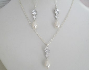 Bride Bridesmaids Rhinestone Pearl Pendant Silver Chain Necklace -  Bridal jewelry Bridal Accessories