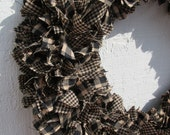 Large Teastained Black and Tan Rag Wreath Homespun Fabrics 16.5in Primitive Rustic Decor