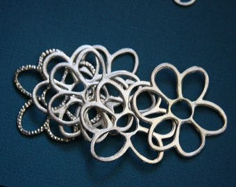 Bulk 30 pcs of Silver plated  flower links 40x36mm