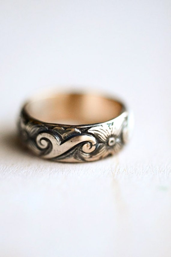 Viking Style Gold Ring -- Floral 14kt Gold Fill