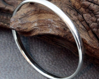 Stirling Silver Heavy Gauge Oval Wire Bangle