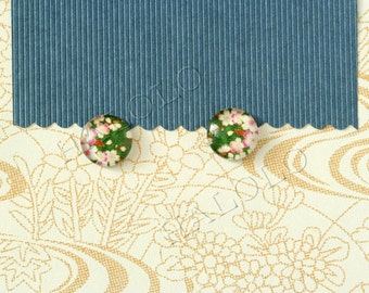 Sale - 10pcs handmade white flower on green round glass dome cabochons 12mm (12-0782)
