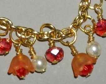 Bracelet - Red and Orange Flowers & Faux Glass Pearls