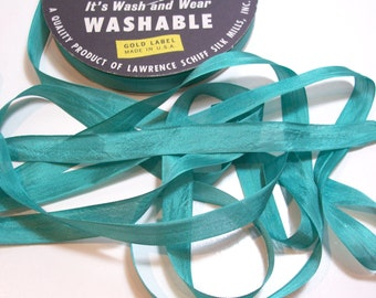 Green Seam Binding, Vintage Clover Green Rayon Seam Binding 1/2 inch wide x 10 Yards