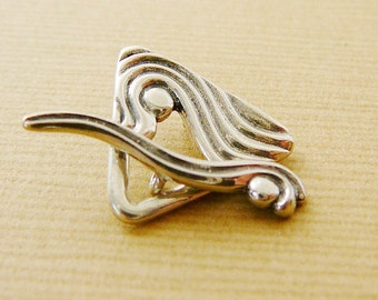 Sterling Silver Clasp, Triangle Toggle, Wavy, Jewelry Closure
