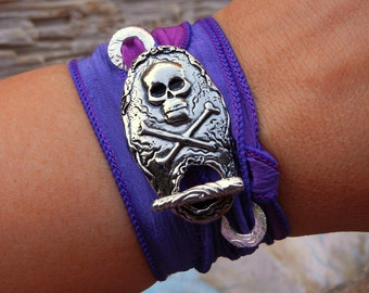 Gothic Jewelry Gift, STERLING Silver Toggle Bracelet, Goth Skull and Crossbones Silk Wrap Bracelet, Handmade Jewelry Gift, Goth Style Gift