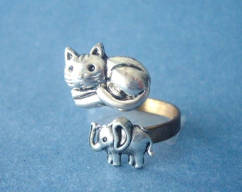 Silver cat ring with an elephant, adjustable ring, animal ring, silver ring, statement ring