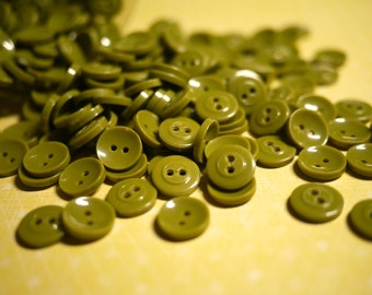Vintage - 50 Avocado Green Buttons