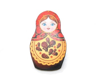 Russian Doll Brooch, Red and Brown Illustration, Wood Jewelry, Matryoshka Brooch